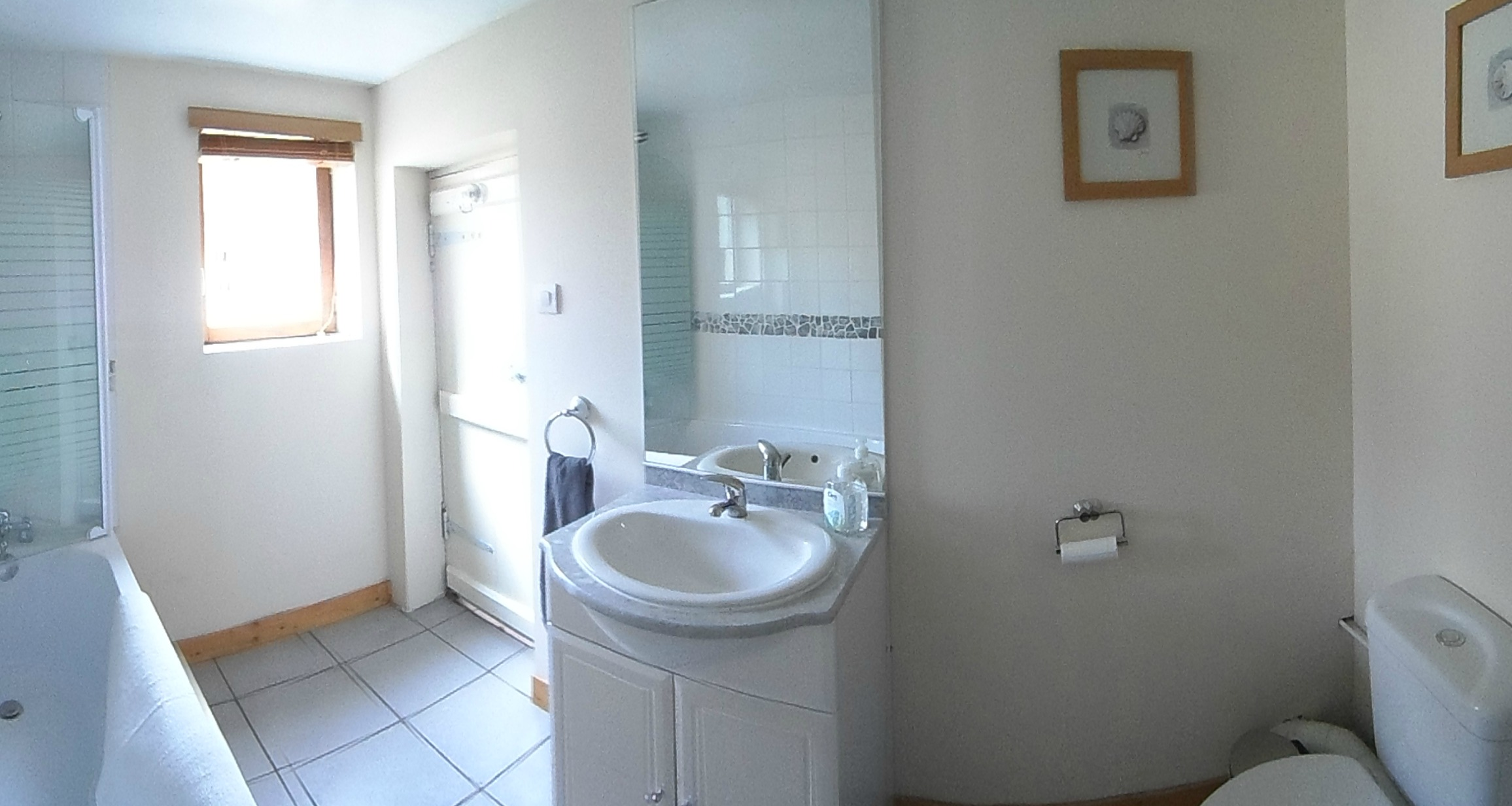 Newly fitted bathroom at Mantilly cottage